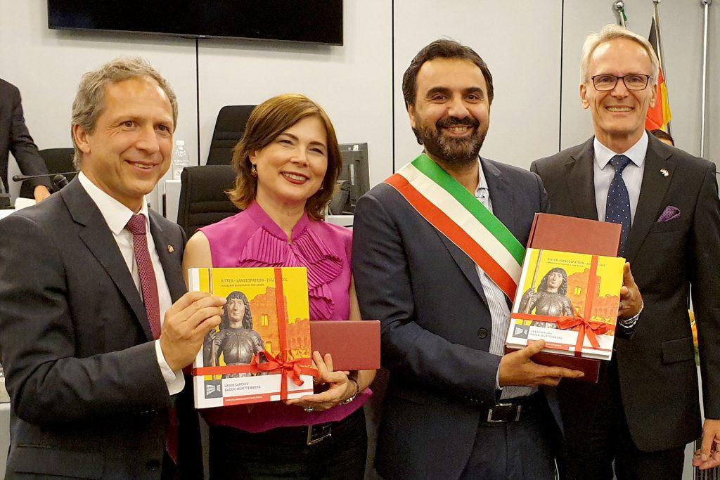 Roland KaiserKulturamtsleiterin  Laura Pompeo, Bürgermeister Paolo Montagna und Lutz Benicke.